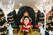 Santa ready for vistors at Dianella Plaza